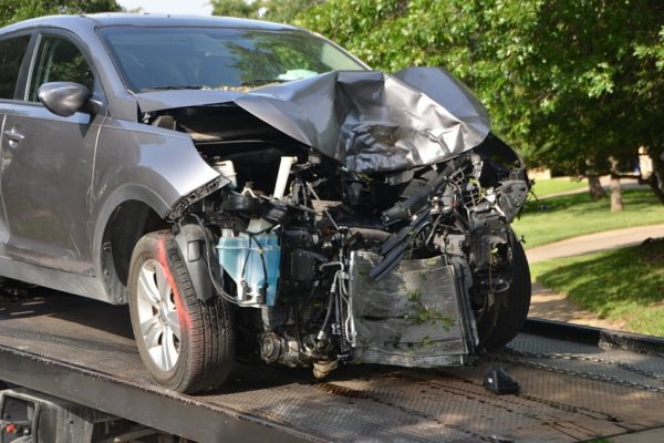 Auta z USA po wypadku