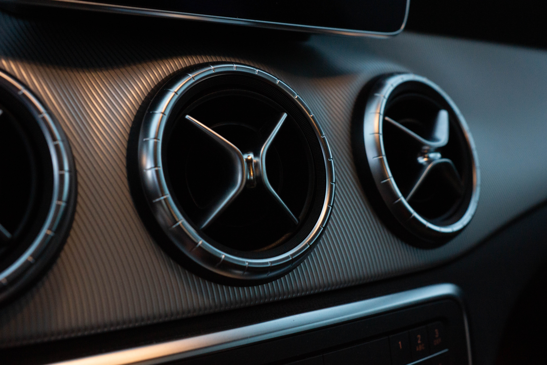 Odgrzybianie klimatyzacji w samochodzie – nie oszczędzaj na zdrowiu
